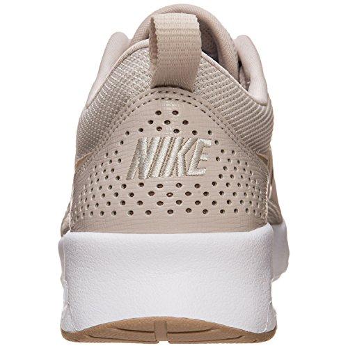 Nike Dames Wmns Air Max Thea Gymnastiek Schoenen Bruin (woestijnzand / Zand / Bianco 033)