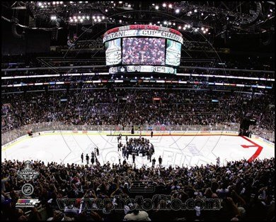 The Staples Center after the Los angeles Kings won Game 6 of the 2012 Stanley Cup Finals Art Poster PRINT Unknown 10x8