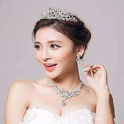 a43319b9d3975 Amazon.co.jp: カチューシャ ウェディングドレスアクセサリー ヘアアクセサリー3点セット ティアラネックレスイヤリング 髪飾り 結婚式 花嫁   ジュエリー