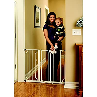 Regalo Easy Step Metal Walk Through Safety Gate