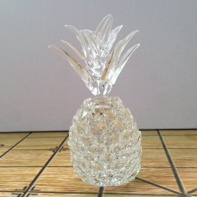 RISEON Crystal Tropical Pineapple Decorative Figurine home decor party Decoration Wedding Favor Gift (Large, Clear)