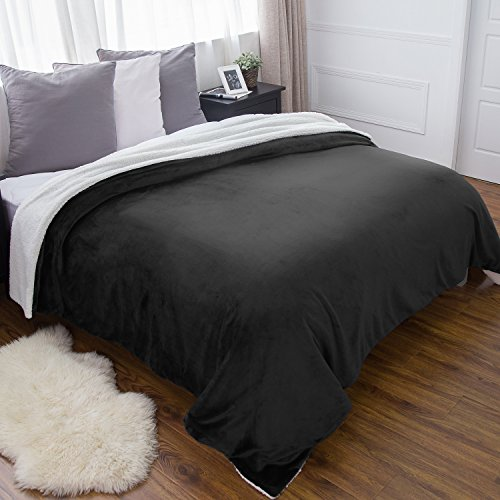 Large Double Flannel Blanket - Bedsure Sherpa Bed Blanket Dark Grey Queen size 90x90 Black Bedding Fleece Reversible Large Blanket for Bed and Couch