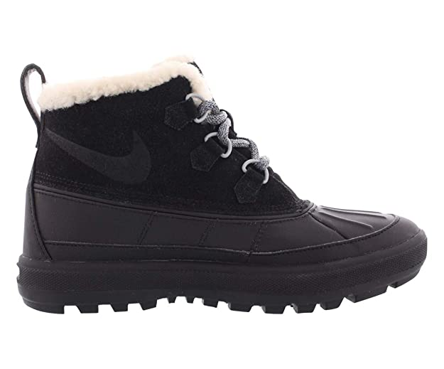 31d2168ca31 Nike Womens Woodside Chukka 2 Round Toe Ankle Cold Weather Boots