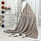 Awenia Sherpa Blanket, Throw Blanket Super Soft, Cozy, Lightweight Flannel, Reversible, Ultra Luxurious Plush Blanket All Season Couch Bed Blanket (Camel, Twin Size 60 x 80 Inches)