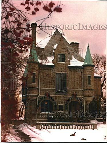 (Vintage Photos 1994 Press Photo O. W. Robertson House, French Chateau in Milwaukee -)