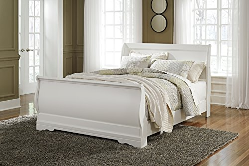 (Anarena Traditional White Color Queen Sleigh Bed)