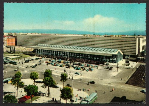 Railroad Station Terminus Square Rome Italy postcard ()