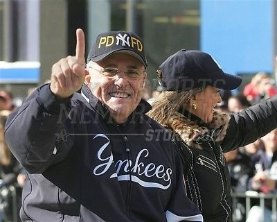 Rudolph Rudy Giuliani NYC Mayor Yankees celebration 8x10 11x14 16x20 photo 0915 - Size 16x20