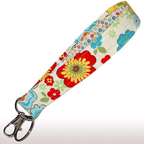 Flower Key Fob - Cream Floral Key Fob - Wristlet - Flower Keychain - Wrist Lanyard - Purse or Wallet Strap
