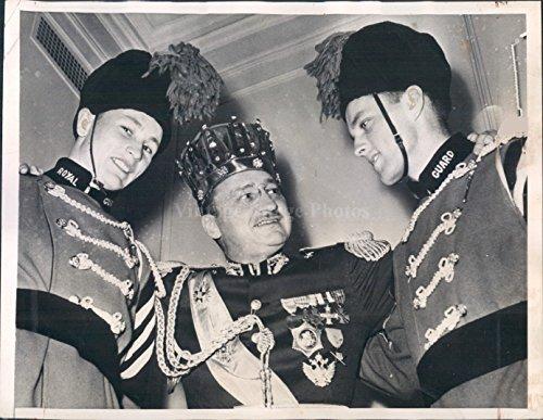 1941 St Paul MN Captain Bruce Smith Bill Daley Royal Guard Uniforms Press Photo