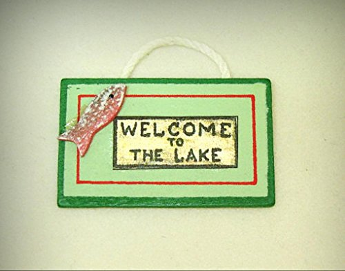 Miniature Rustic Wood Sign - Welcome To The Lake for 1:12 Dollhouse Beach Scene - My Mini Garden Dollhouse Accessories for Outdoor or House Decor