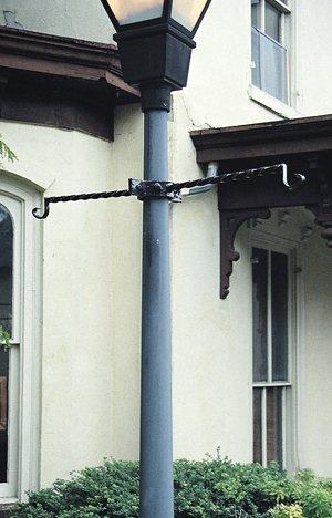 - LAMPPOST BRACKET-EURO CLASSIC