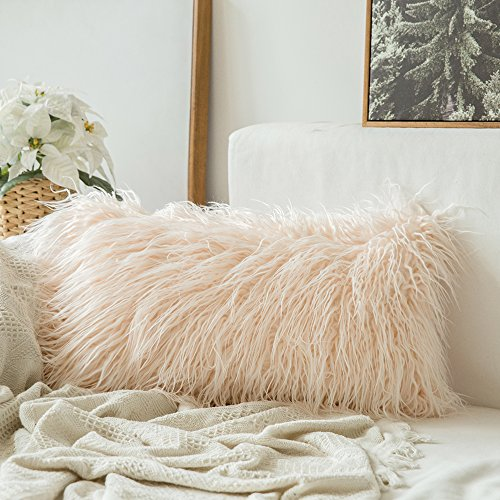 MIULEE Decorative New Luxury Series Style Pink Faux Fur Throw Pillow Case Cushion Cover for Sofa Bedroom Car 12 x 20 Inch 30 x 50 cm (Pillow Fur Blush)