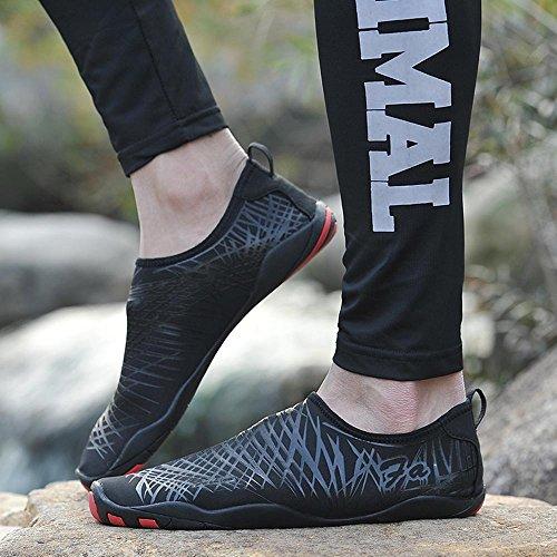 MoreDays Wasserschuhe Mens Beach Swim Schuhe Quick-Dry Aqua Socken Pool Schuhe für Surf Yoga Wasser Schwarz
