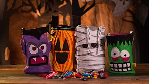 Halloween Trick or Treat Bags]()