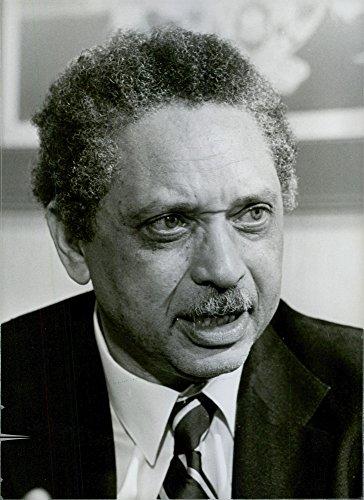 Vintage photo of Portrait of U.S. Official Rev. Leon Sullivan, 1981.