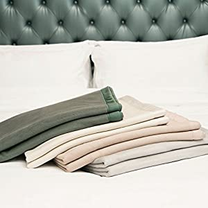 CUDDLE DREAMS Premium Mulberry Silk Blankets for All Seasons by Cuddle Dreams