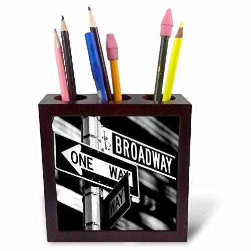 3dRose LLC Broadway 5-Inch Tile Pen Holder