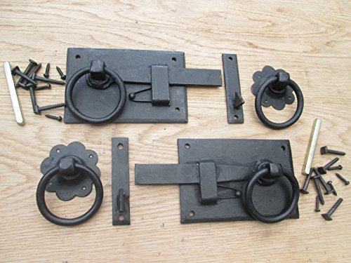 IRONMONGERY WORLDÂ VINTAGE OLD ENGLISH COUNTRY COTTAGE STYLE RING GATES DOORS SHEDS LATCH HANDLES (BLACK BEESWAX RIGHT HUNG/RIGHT HANDED) by Ironmongery World - Right Hung Door