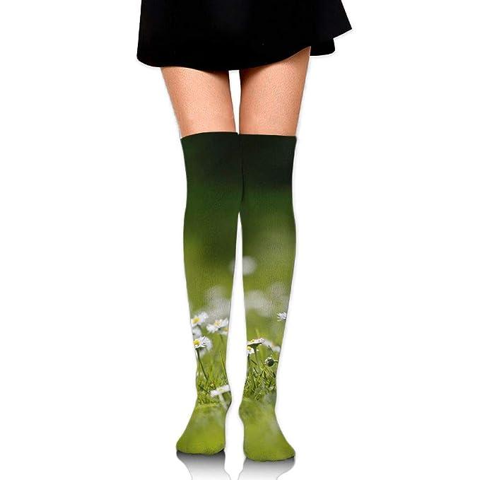 a3710f0be0 Amazon.com  Summer Green Grass Daisy Casual Crew Top Socks