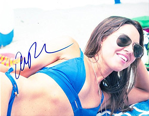 HOT SEXY AUBREY PLAZA SIGNED 8X10 PHOTO AUTHENTIC AUTOGRAPH COA B