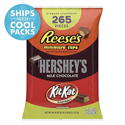 HERSHEY'S 5 Pound Candy Assortment, Bulk Chocolate Candy , HERSHEY'S, REESE'S, and KIT KAT, 265 Pieces]()