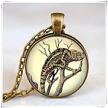 Vintage chameleon necklace , Jewelry, pendant ,forest animal necklace , chameleon charm, jewelry