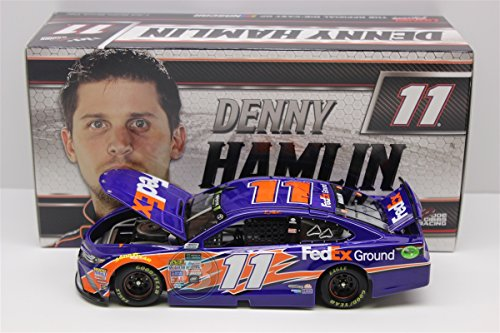 (Lionel Racing Denny Hamlin #11 FedEx Ground 2017 Toyota Camry 1:24 Scale HOTO Official Diecast of The NASCAR Cup Series)