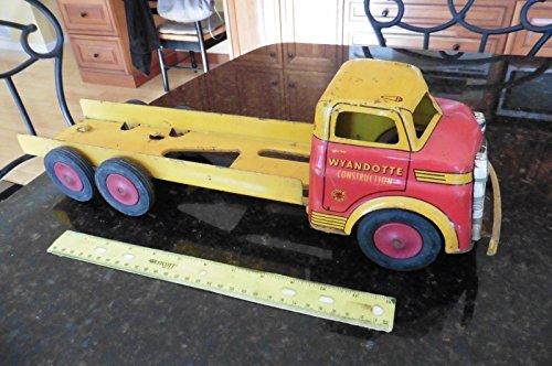 Steel Pressed Toy (Rare Wyandotte Toys Pressed Steel Vintage Wyandotte Construction Truck USA made)