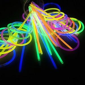 100 Pcs Glow Sticks Bracelets Necklaces Fluorescent Neon Party Favors Xmas Gift