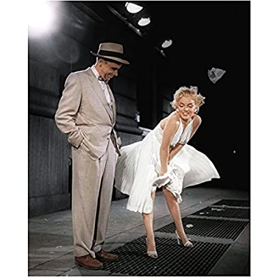 Seven Year Itch Marilyn Monroe Bending Over While Filming Iconic Subway Grate Scene 8 x 10 Photo