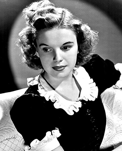 Gifts Delight Laminated 24x30 inches Poster: Judy Garland Actress Vintage Movies Motion Pictures Monochrome Black and White Pictures Cinema -