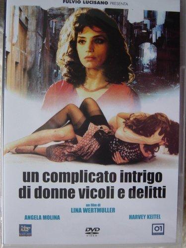 Un Complicato intrigo di donne, vicoli e delitti (Camorra: The Naples Connection) (Un Complicato Intrigo Di Donne Vicoli E Delitti)