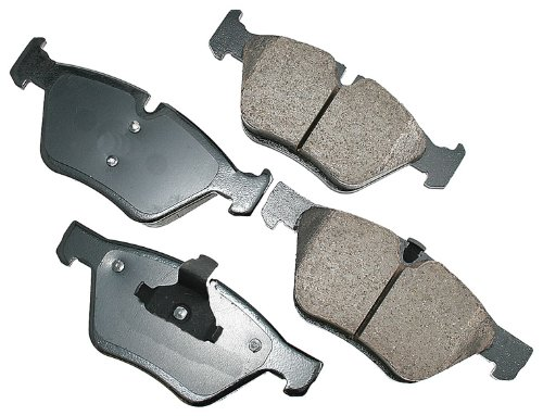 (Akebono EUR1061 EURO Ultra-Premium Ceramic Brake Pad Set)