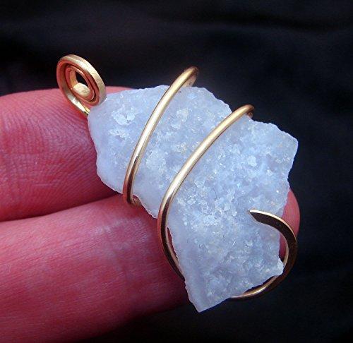 Chalcedony Agate Pendant (Kay Nelsen Todd Holly Blue Chalcedony Agate Pendant Merlin's Gold #30)