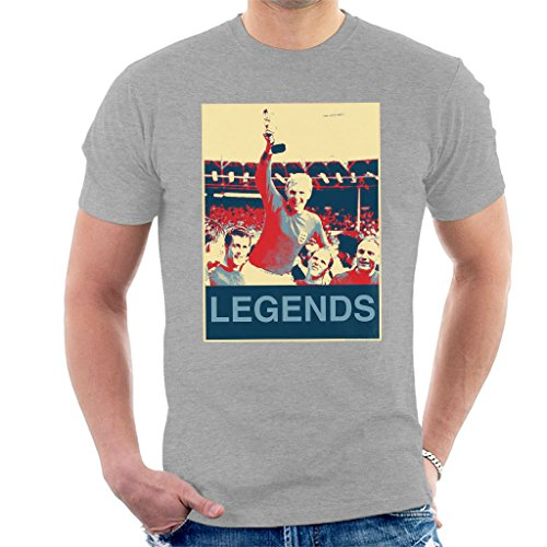 - POD66 1966 World Cup Final England Bobby Moore Jules Rimet Trophy Men's T-Shirt