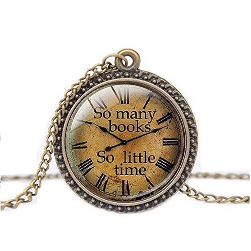 FM42 Vintage Style So many books So little time Round Pendant Necklace with 26