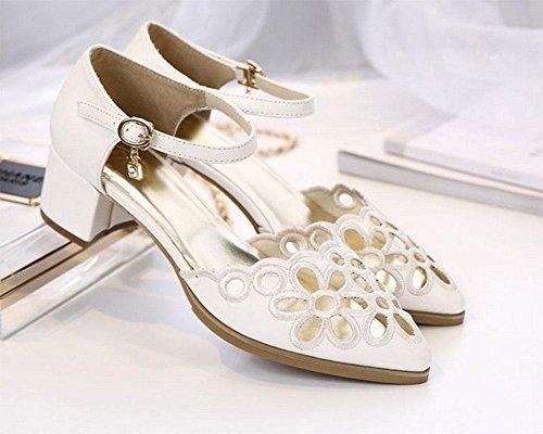 Los zapatos transpirables crudo de punta hueca con una cabecera SNAP-palabra con sandalias A