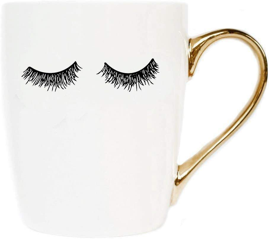 Amazon Com Sweet Water Decor Cute Coffee Mugs With Gold Handle Girly Make Up Mascara 16oz China Coffee Cup With Eyelashes Embellished With Real Gold Microwave Safe White Kitchen