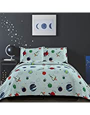 3 Pieces Kid's Galaxy Outer Space Adventure Quilted Bedspread Set Full/Queen with Pillowcases, Planets Rockets Quilt Bedding Sets for Spring and Summer (Full/Queen, Gray Universe)