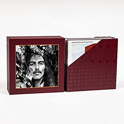 """George Harrison: The Vinyl Collection"", autobiografia e toca-discos estão à venda"