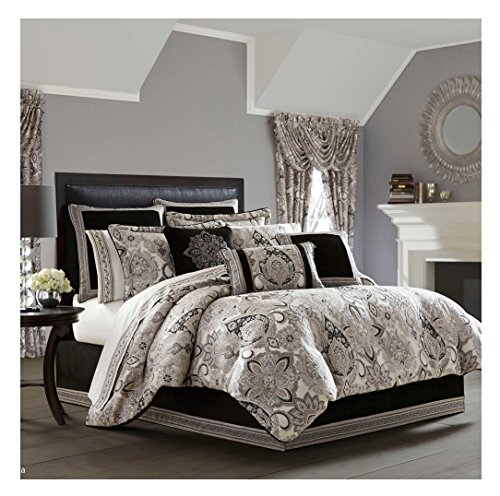 J. Queen New York'Guiliana' Comforter Set in Silver, King