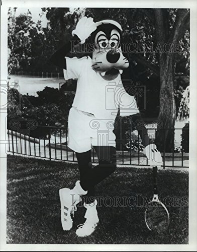 Vintage Photos 1983 Press Photo Goofy with Tennis Racket at Greenspoint Mall in Houston, ()