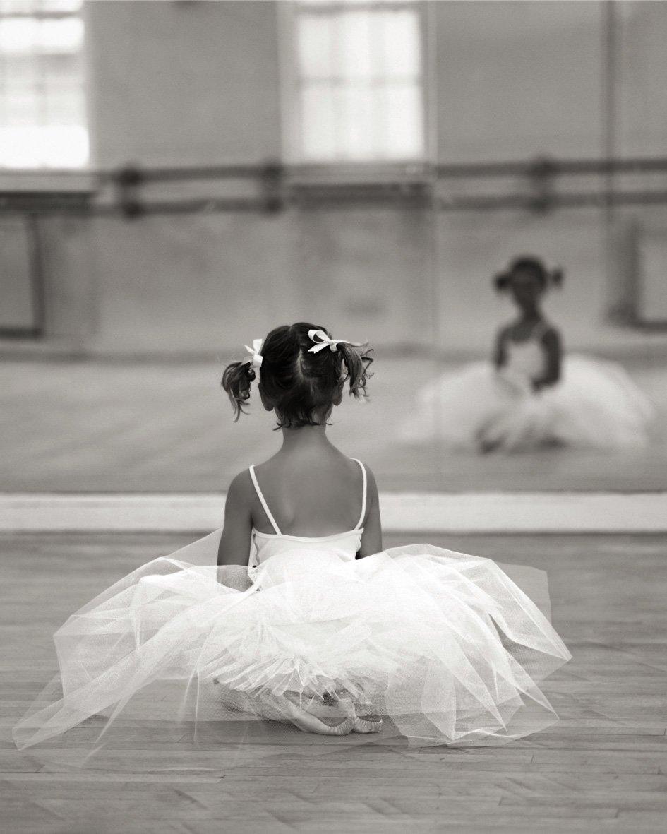 Hanley Little Dancer Poster 24/30cm
