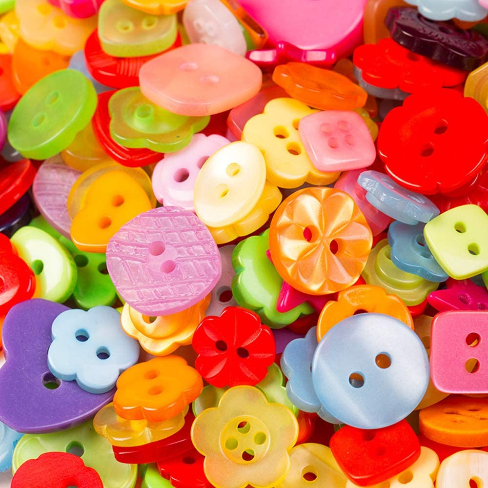 LW 400 Pcs Colorful Assorted Size Resin Buttons Craft for Sewing DIY Crafts Childrens Manual Button Painting