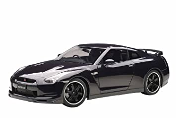AUTOart 1/12 Nissan GT R (R35) Spec V (Ultimate Opal