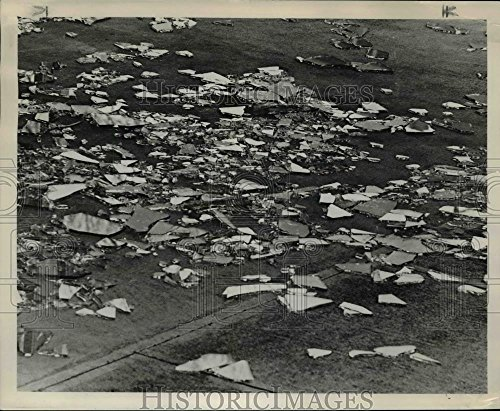 Wind Vintage Collectable Plate - 1965 Press Photo Storm Winds shuttered dozens of plate glass windows in Portland