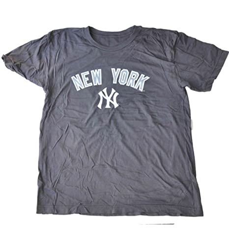 Amazon.com   New York Yankees SAAG Women Charcoal Gray Soft Cotton T ... de6da0d3638