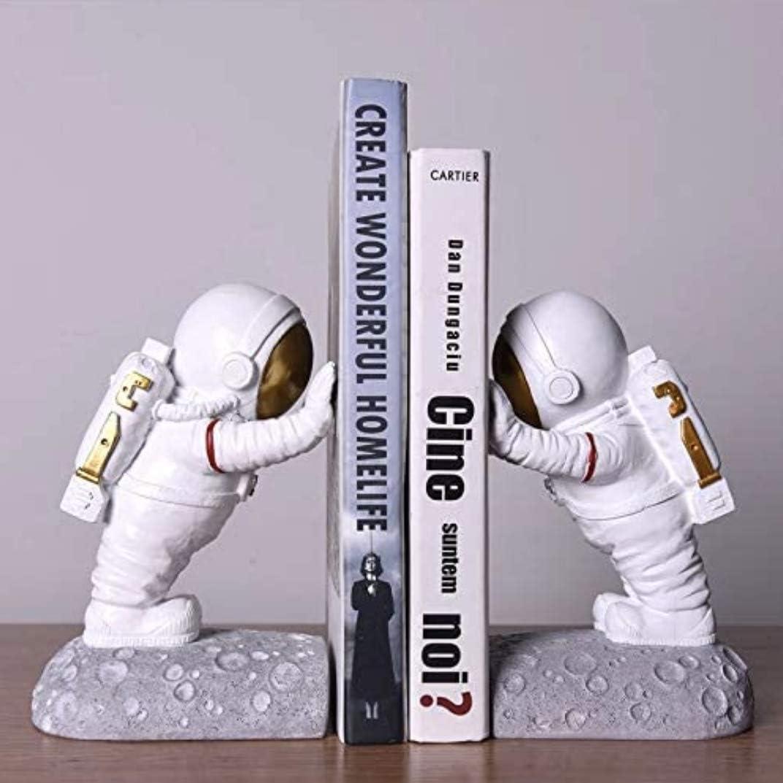 Bundle 2pcs Decor Resin Astronaut Bookends Decor Kids Bedroom Astronaut Toys Outer Space Themed Astronaut Figurine (Gold)