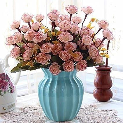 La decoración de la habitación con emulación flores se envía sala de estar decorado con flores